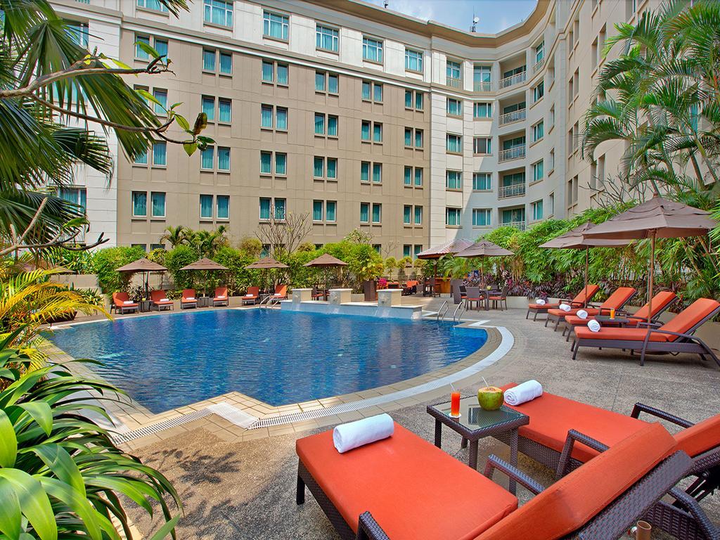 外国人に絶大な人気のパークロイヤルホテル(PARK ROYAL HOTEL)